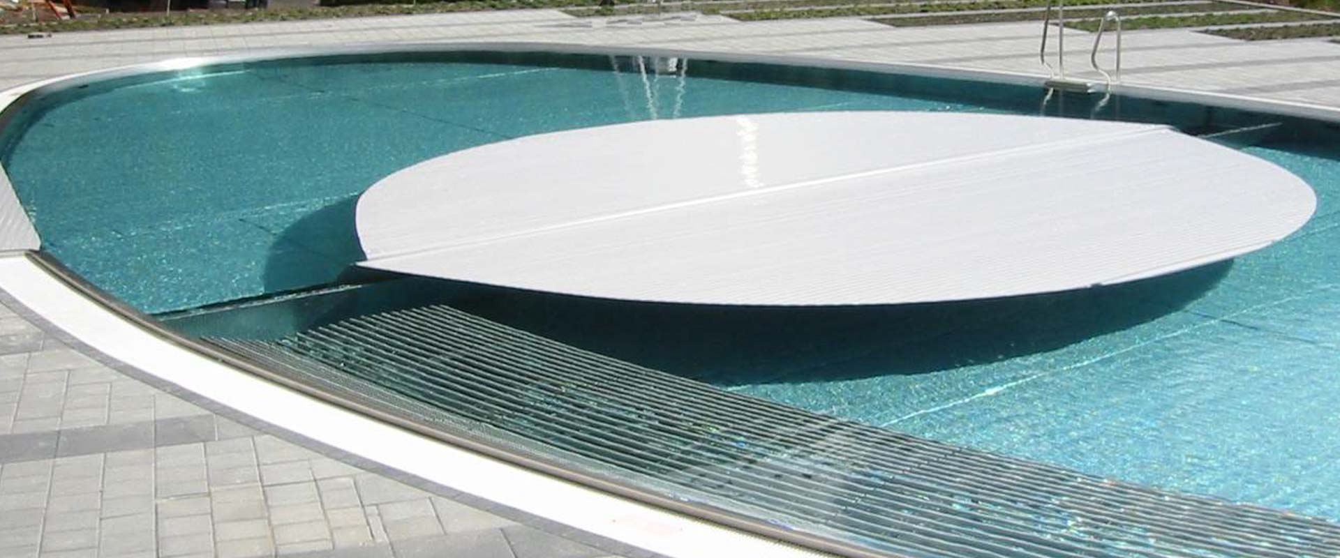 Automatic rigid pool cover system type ibs 8 grando for Automatic pool cover motor